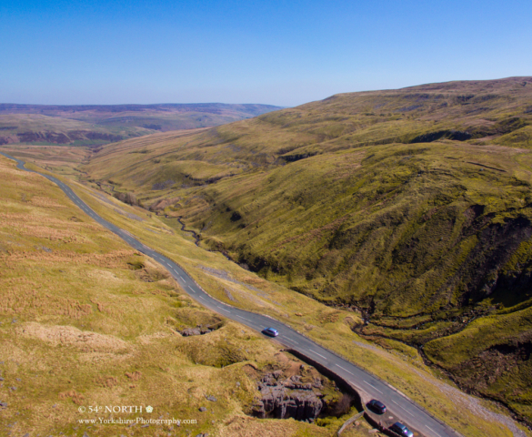 Aerial photo of Buttertubs Pass, Yorkshire