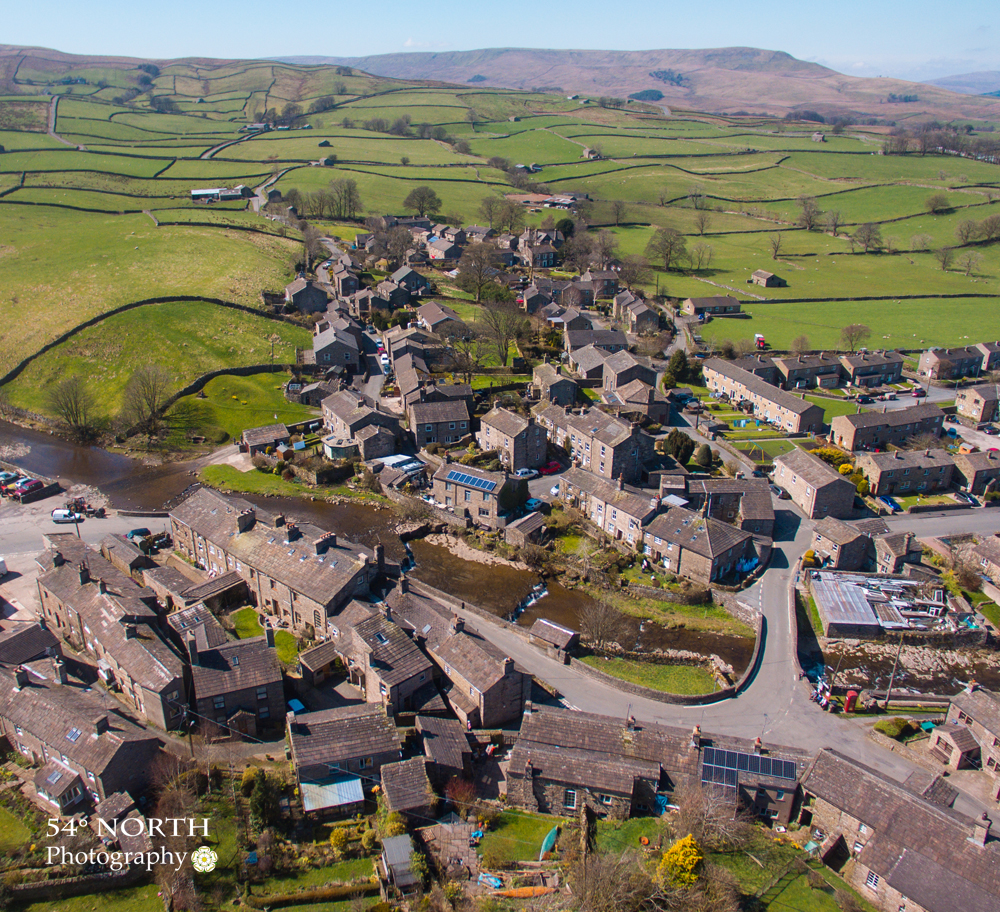 Aerial photo of Gayle, Wensleydale